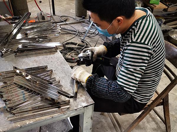 久盛鑫:材料打磨